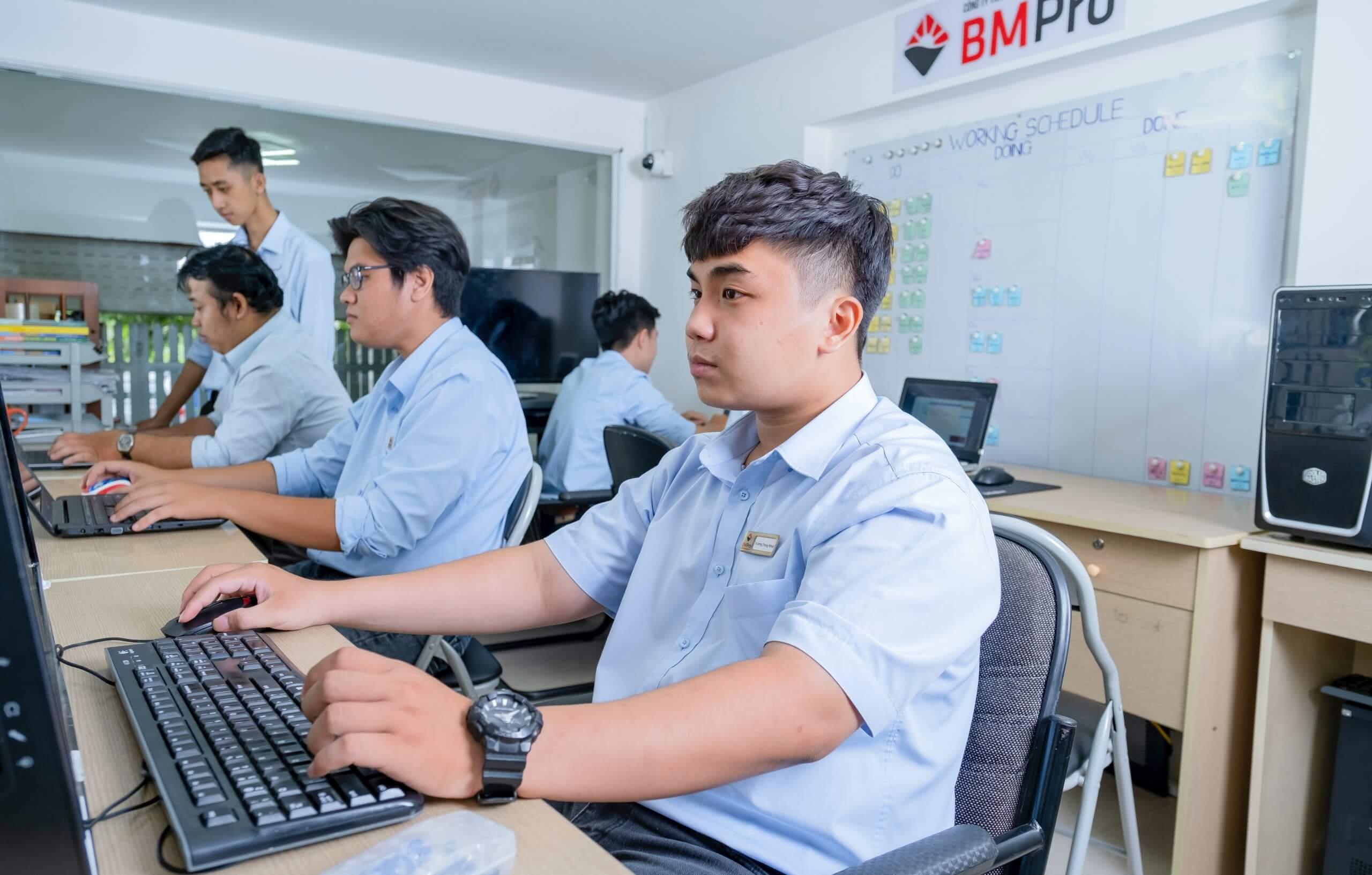 Dịch vụ it doanh nghiệp - team kỹ thuật